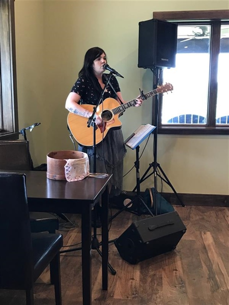 Live music at Magnolia Vineyards with Nilce